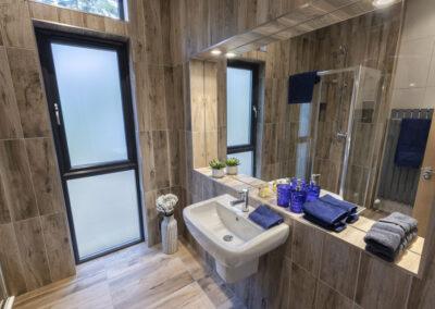 Sherwood bathroom